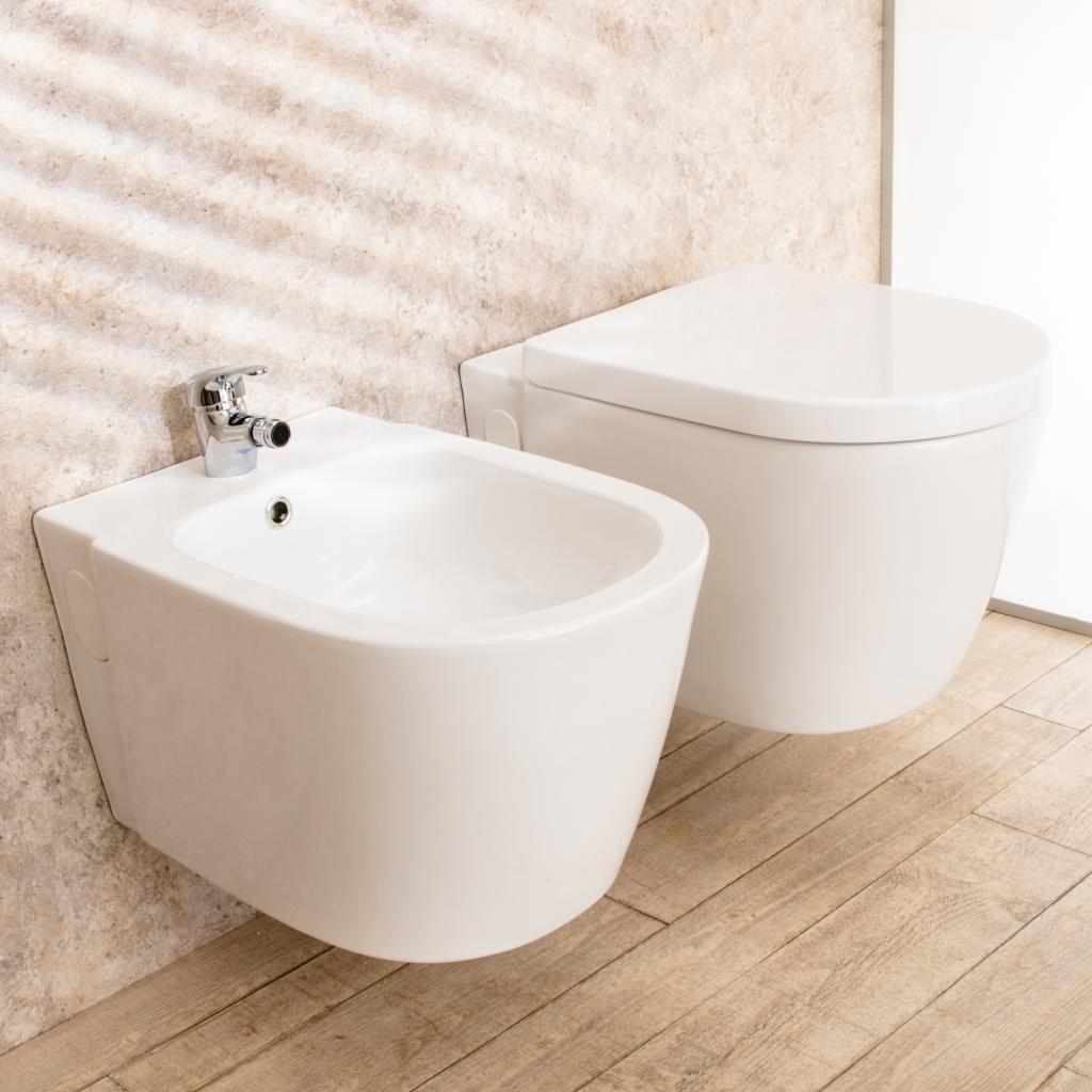 Sanitari In Ceramica Per Bagno.Sanitari Bagno Sospesi Easy In Ceramica Wc Con Sedile E Bidet Cod